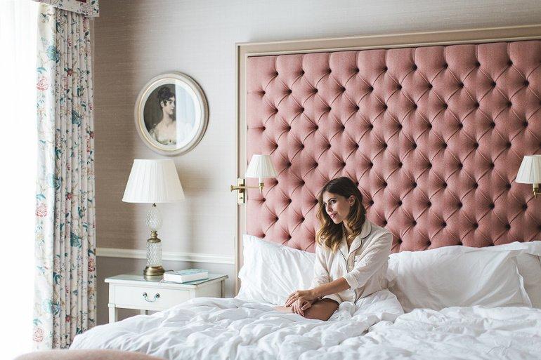 спальня в пудровых оттенках