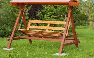 Деревянные садовые качели — стильная и практичная садовая мебель!