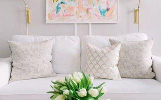 5 идей для оформления стены за диваном