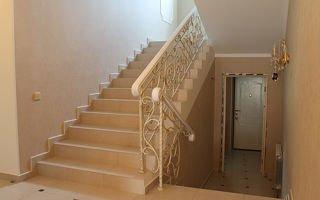 Облицовка плиткой — универсальный способ отделки лестницы