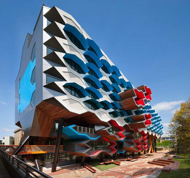 Архитектурное чудо: 10 уникальных учебных учреждений