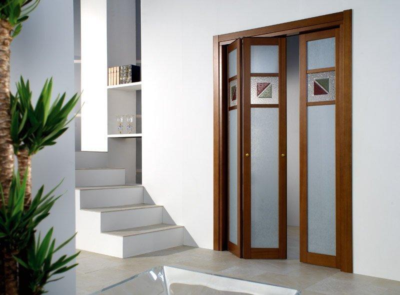 Раздвижные двери – достоинства и недостатки