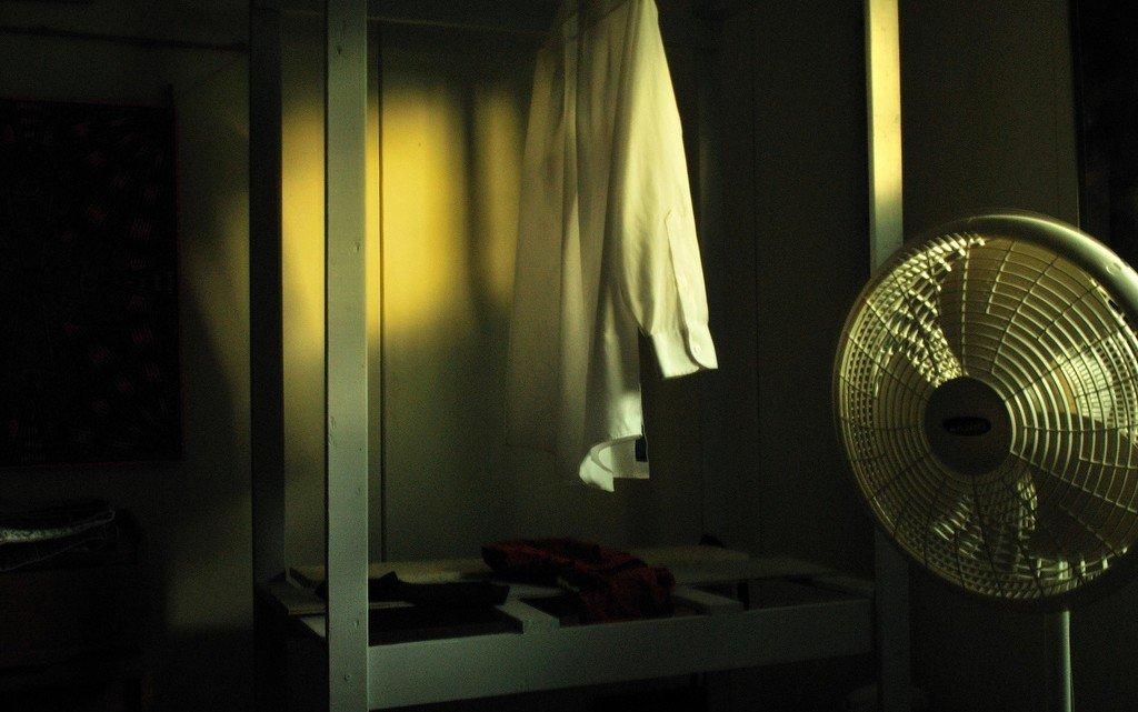 Как бороться с жарой в квартире?