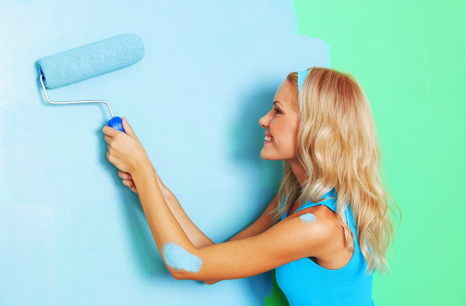 Покраска стен – как рассчитать количество краски и выбрать инструменты?