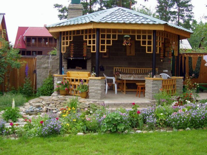 Садовая беседка – комфорт, функциональность и украшение сада!