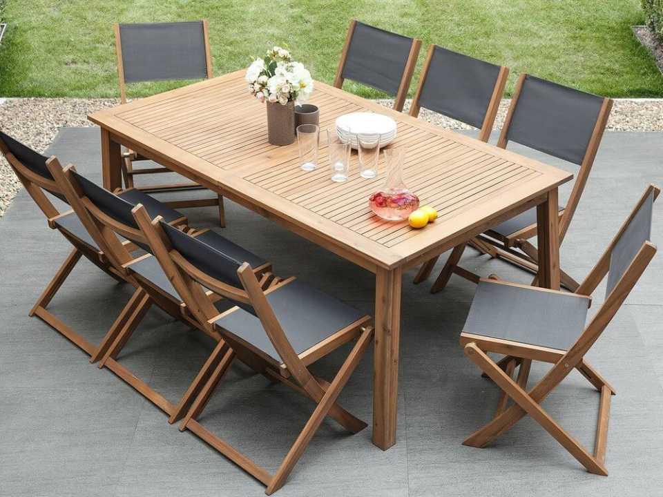 Садовый стол со стульями для семьи и друзей