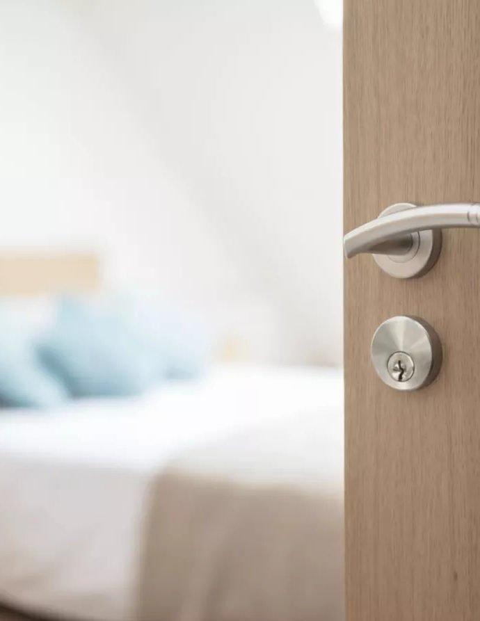Правая или левая дверь? Как отличить и как выбрать?
