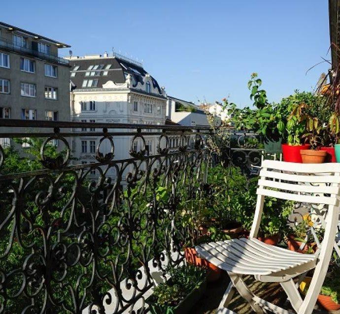 Как обустроить балкон? Идеи оформления  балкона в многоквартирном доме