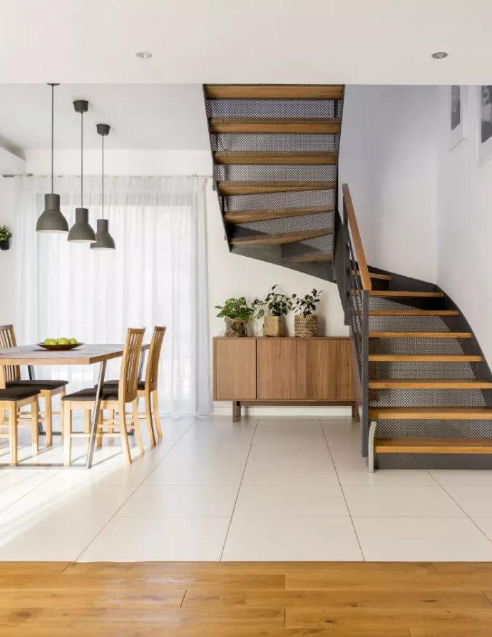 Лестница на чердак. Как устроить лестницу на чердак?