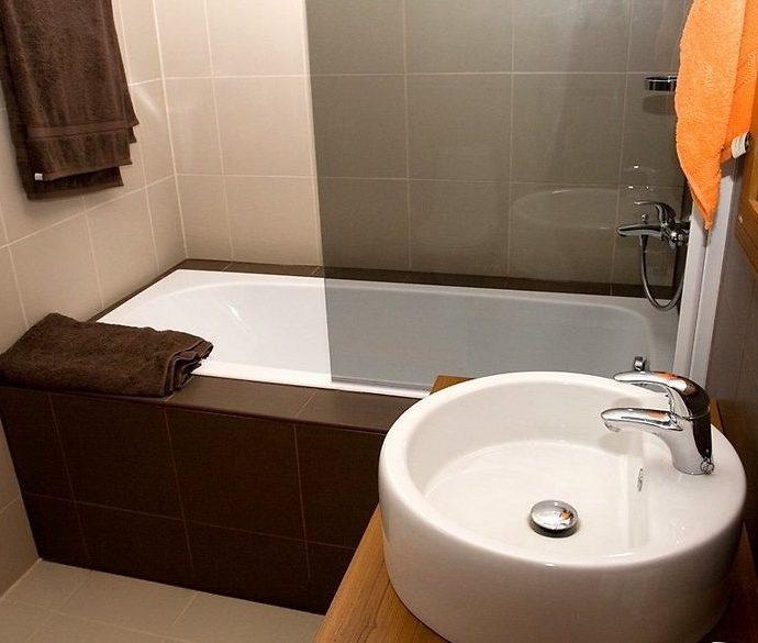 Обустройство маленькой ванной. Интересные идеи