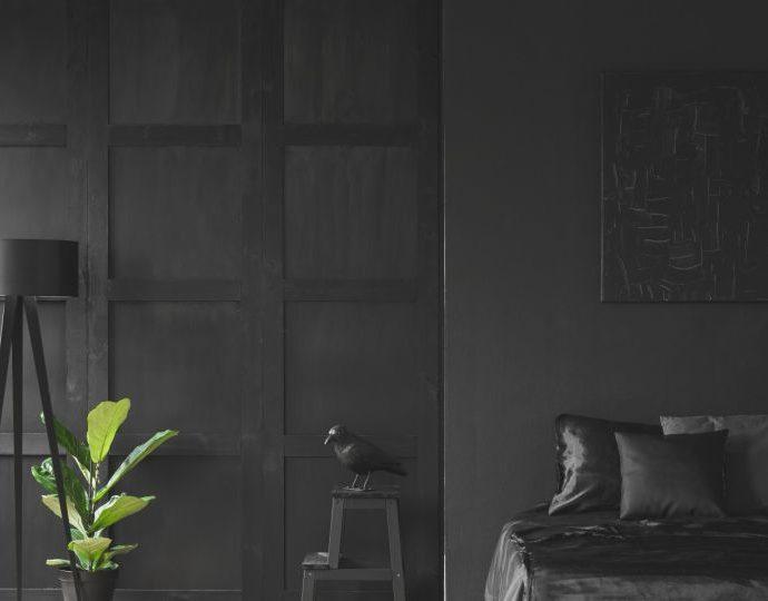Черная спальня – аранжировки, идеи. Какие аксессуары выбрать?